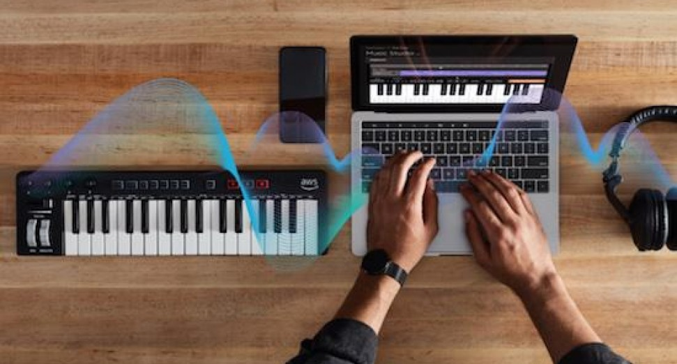 Amazon AI-powered MIDI keyboard